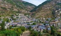 Village de Sainte Enimie (panoramique 4 photos) - Canon EOS 5D Mark III - EF 50 mm f/1,4 USM - ISO 200 - f/11 - 1/200 s