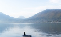 Bateau sur le lac d'Annecy - Canon EOS 5D Mark III - EF 50 mm f/1,4 USM - ISO 200 - f/11 - 1/400 s