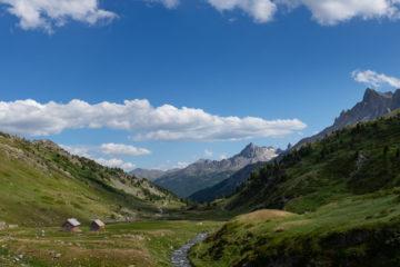 Panorama de la vallée de la Clarée depuis le refuge des Drayères