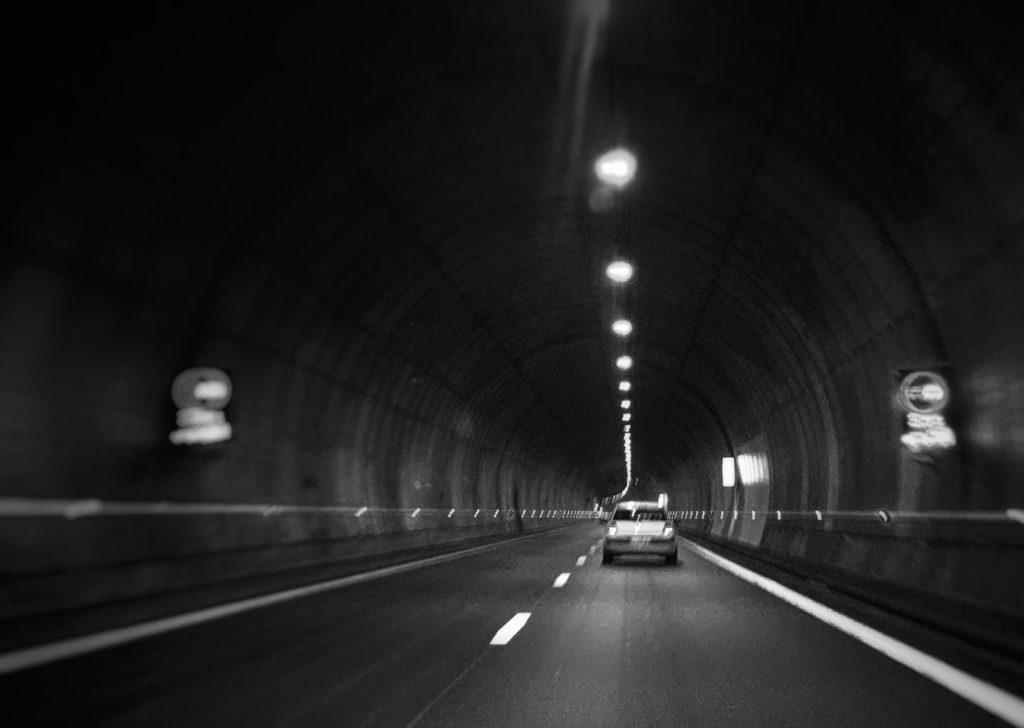 Projet photo 2018 - Dans un tunnel on cherche inévitablement la sortie