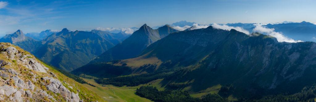 Panoramique depuis la dent de l'Arclusaz