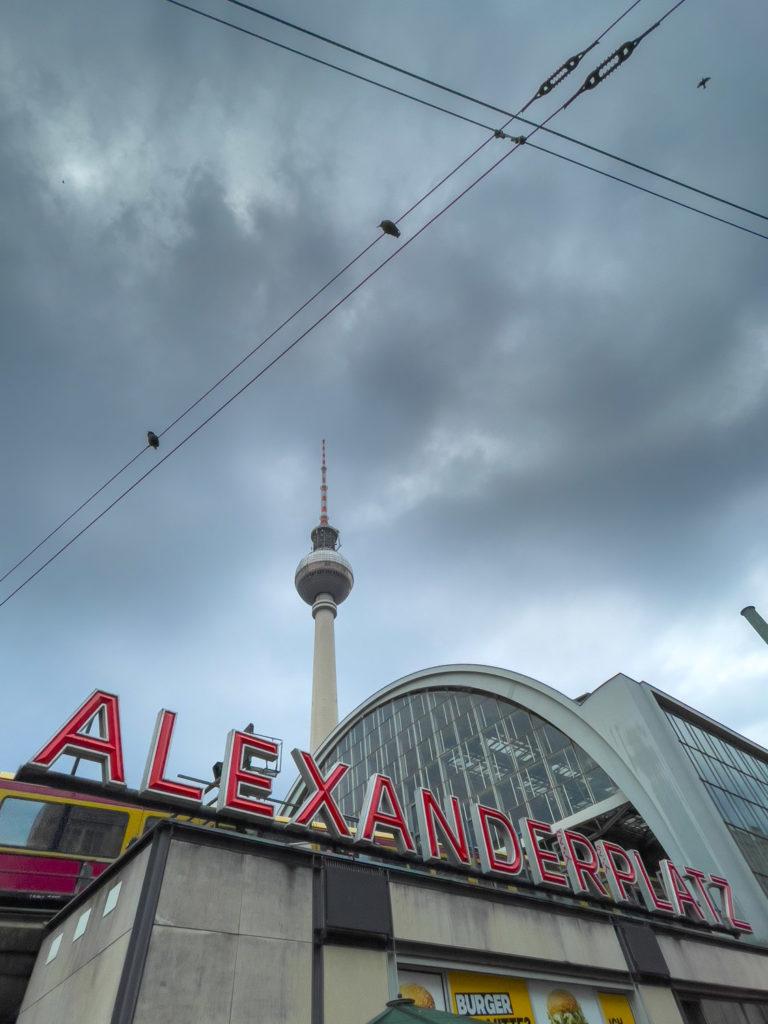 Tour télévision de Berlin depuis l'Alexanderplatz